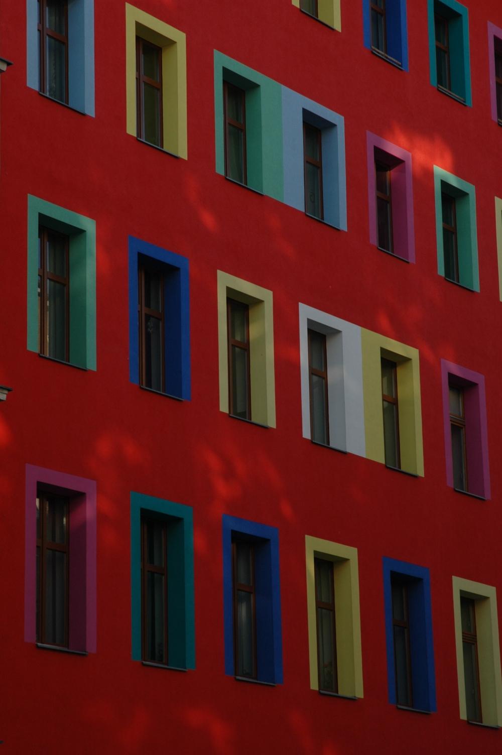 Wir suchen einer Wohnung und Arbeit in Berlin